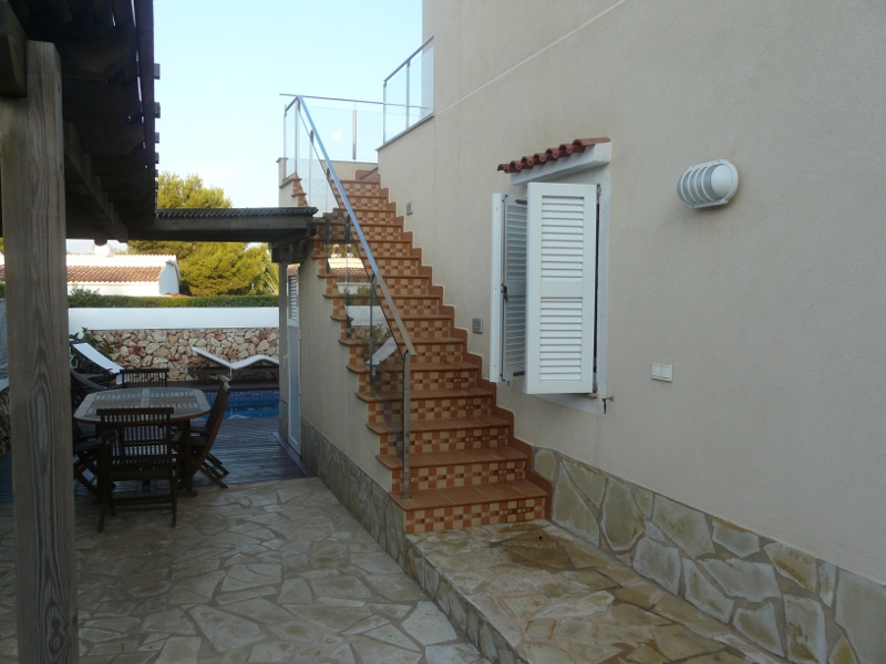 jardn y entorno escaleras exteriores de subida a la casa